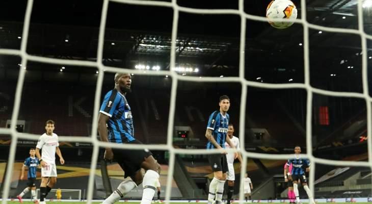 لوكاكو يرفض استلام ميداليته بعد خسارة لقب الدوري الاوروبي