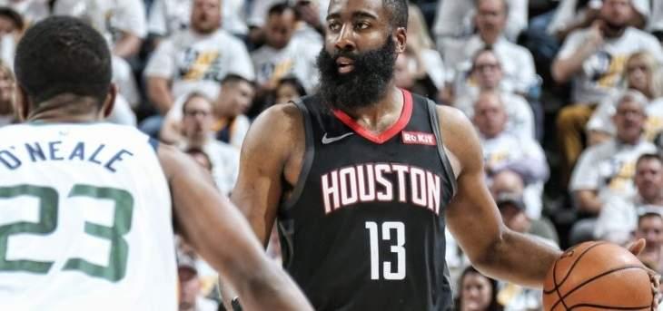 NBA : ميلواكي يتأهل ويوتاه يقلص الفارق