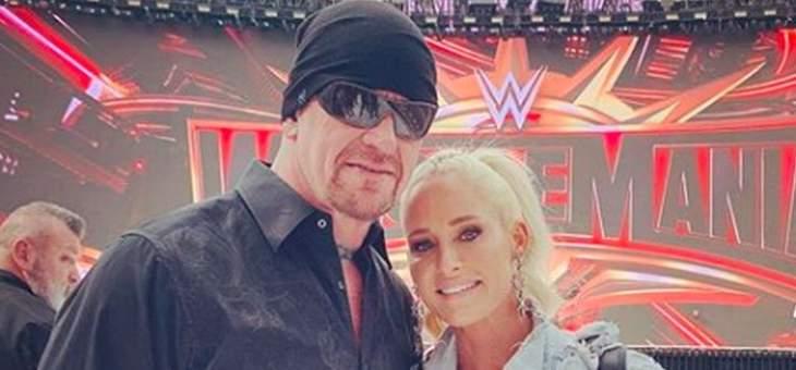 اندرتايكر برفقة زوجته خارج المصارعة