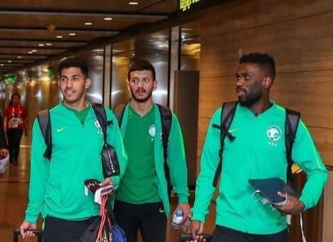 كمارا والخيبري يدعمان بعثة السعودية التي وصلت الى قطر